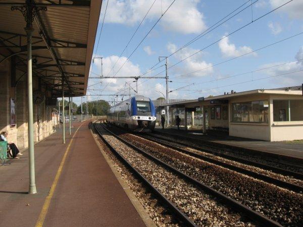 Bayeux - Voies vers Caen et autorail AGC