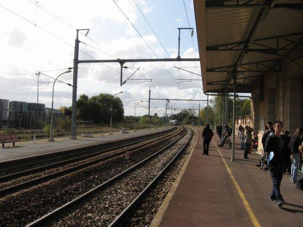 Bayeux - Quais et voies vers Cherbourg et Rennes