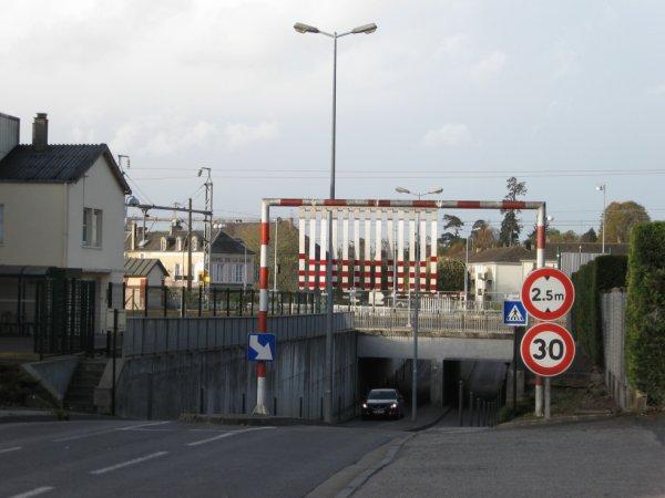 Bayeux - Pont SNCF sur la route de Tilly-sur-Seulles