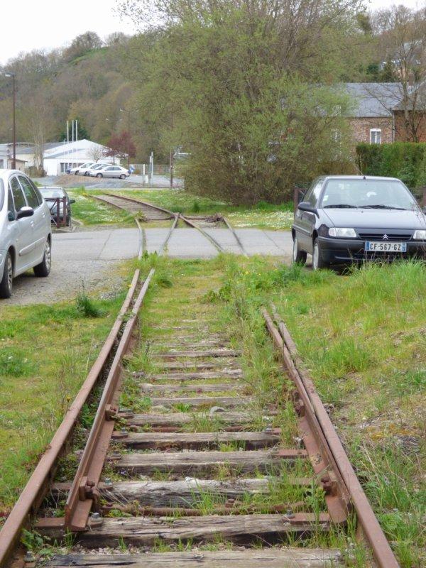 Ancien faisceau de voies à Thury-Harcourt en mars 2014