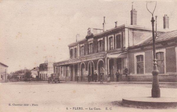Gare de Flers en carte postale