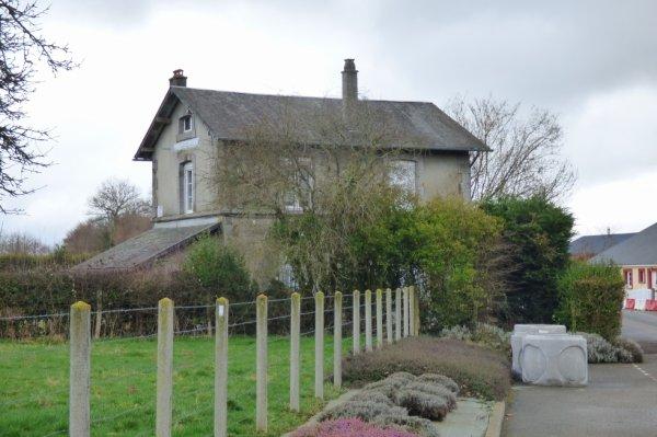 Ancienne gare de Lonlay-le-Tesson