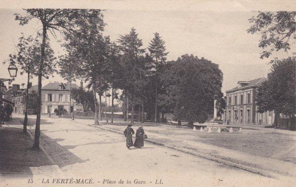 Gare de La Ferté Macé en carte postale