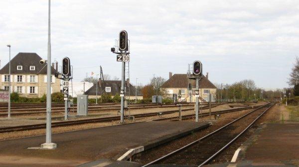 Argentan - Quais et voies vers Caen et Granville