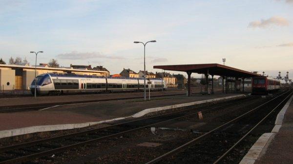 Entre ancienneté et modernité à la gare d'Alençon le 25 novembre 2007