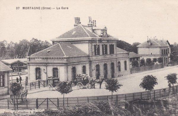 Extérieur de la gare de Mortagne au Perche en carte postale