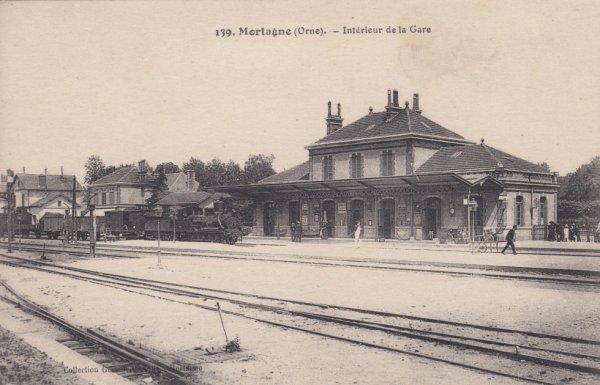 Intérieur de la gare de Mortagne au Perche en carte postale