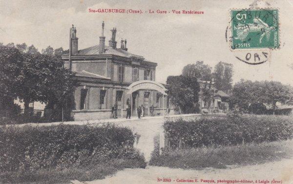 Gare de Sainte Gauburge en carte postale