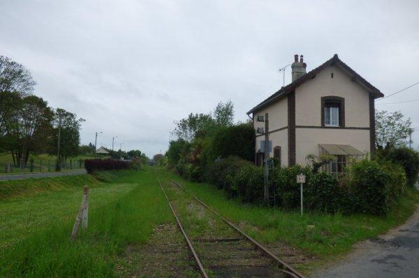 Voie du PN81 du CFVE vers Pacy-sur-Eure