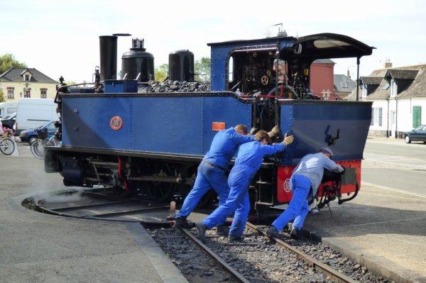 Retournement de la locomotive 101 à Noyelles