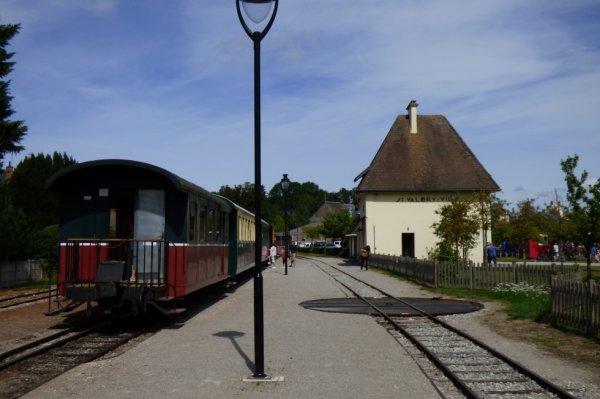 Rame stationnée à Saint-Valéry-sur-Somme Ville