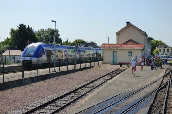 Passage d'un Train Express Régional AGC à Noyelles