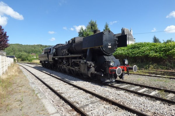 Manoeuvre de la locomotive 150Y du CFTVA à Lumbres