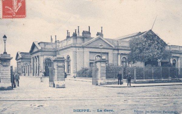 Gare de Dieppe en carte postale