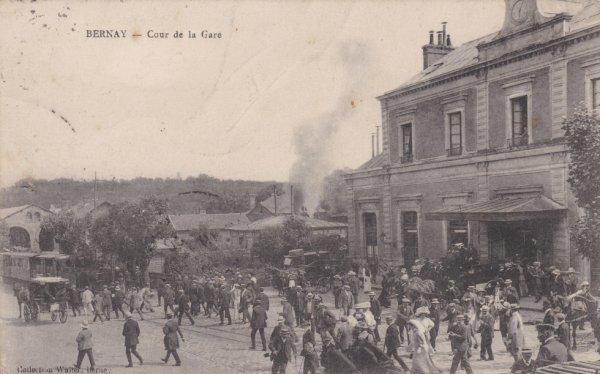 Gare de Bernay en carte postale