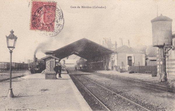 Gare de Mézidon vue de l'intérieure en carte postale