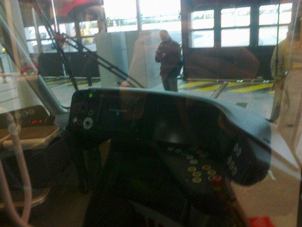 Poste de conduite du nouveau tram de Caen