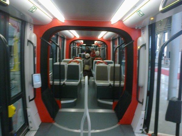 Intérieur du nouveau tram de Caen