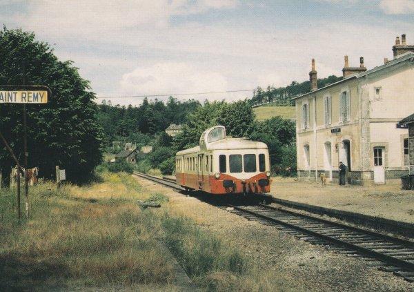 Autorail Picasso en gare de Saint Remy sur Orne le 6 juillet 1985