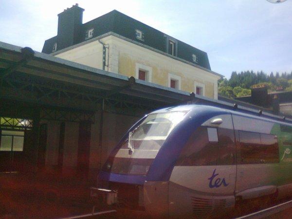 Autorail X73500 en gare du Mont Dore