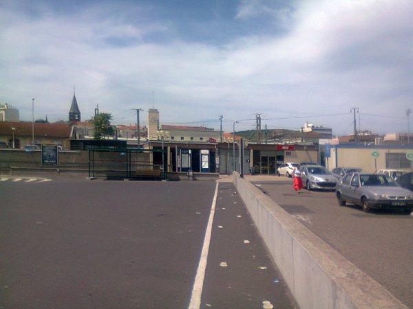 Accès arrière de la gare principale de Clermont Ferrand