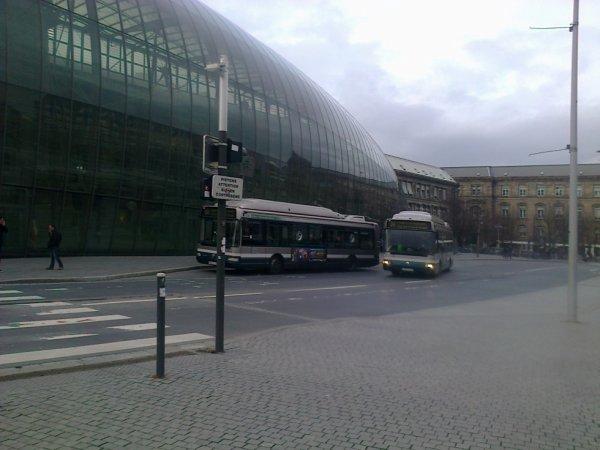 Bus devant la gare de Strasbourg