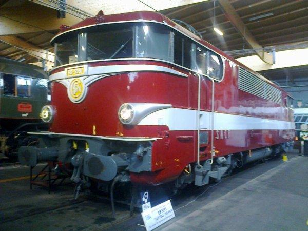 Cité du Train à Mulhouse - Locomotive électrique BB9200 en livrée Capitole