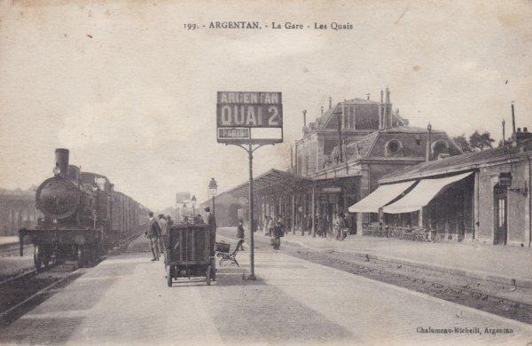 Un train à vapeur à Argentan en direction de Paris