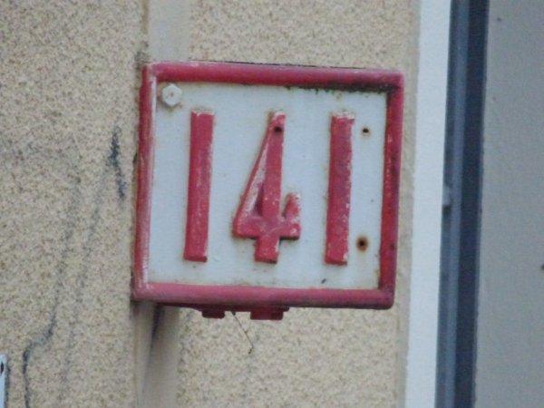 Point Kilométrique 141 de la gare de Paris Montparnasse à Surdon