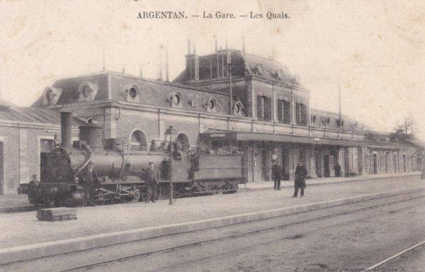 Locomotive à vapeur stationnée à Argentan