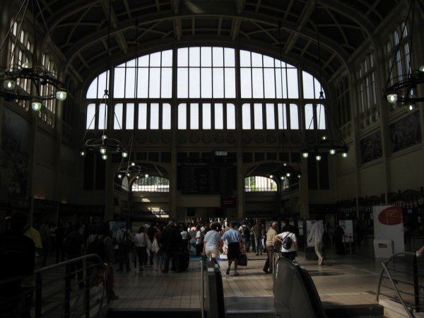 Hall de la gare de Rouen Rive Droite le 5 août 2008