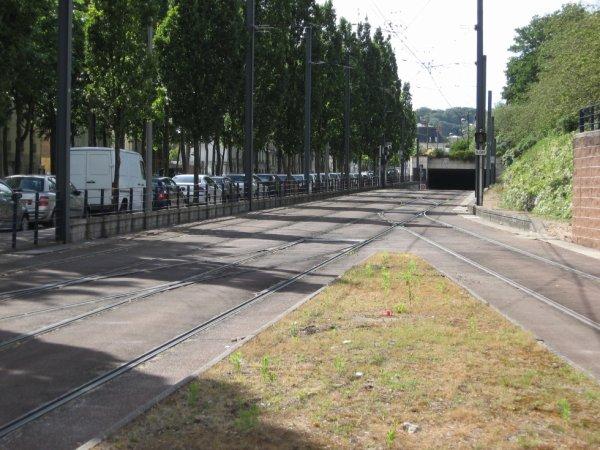 Anciens aiguillages du terminus Boulingrin du métro de Rouen