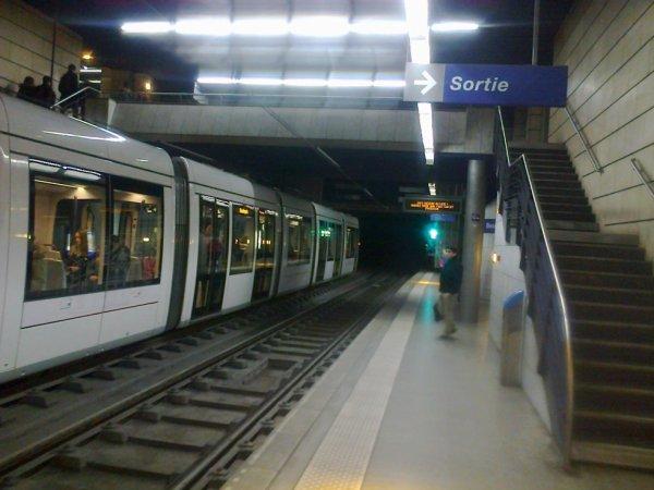 Nouvelle rame à quai à la station Gare Rue Verte du métro de Rouen
