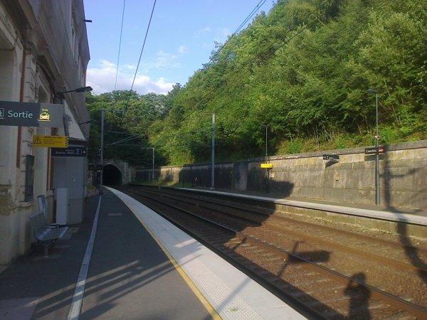 Gare de Conches - Tunnel et voies vers Evreux, puis Paris Saint Lazare