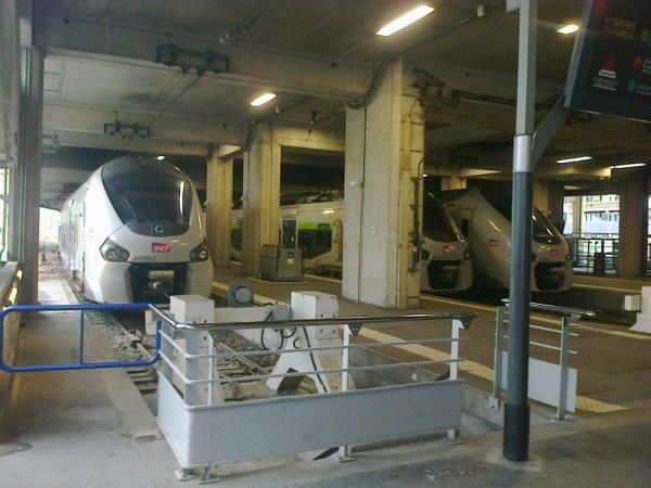 Trois rames Regiolis à Paris Montparnasse Vaugirard