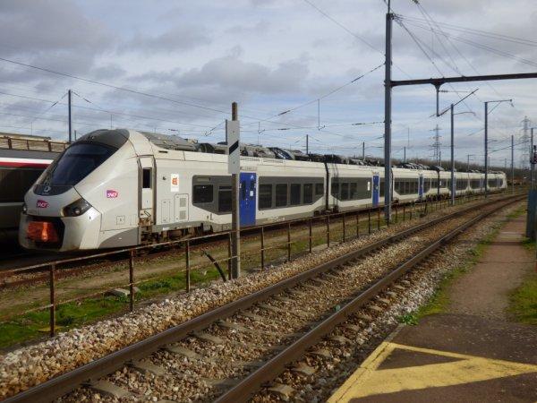 Une rame Regiolis 6 voitures au dépot de Caen le 15 février 2020