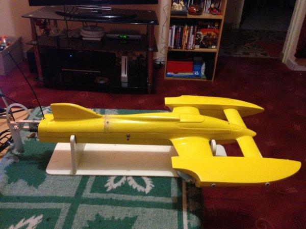 """Mon new bateau rc brushless ! Un """"Hydro et marine Xzess evo 1"""" ! configuration lui permettant d'atteindre les 110km/h ^^ !"""