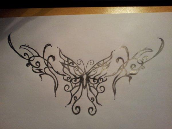 new tatoo bas du dos ya plus k mon blog mes potes ma vie ma passion. Black Bedroom Furniture Sets. Home Design Ideas