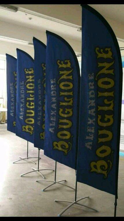 Les drapeaux de cirque Alexandre Bouglione en Belgique