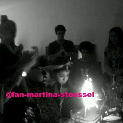 """Spécial Martina Stoessel """" Alias : Violetta """" Pour Son Anniversaire ! Joyeux Anniversaaire ! :P"""