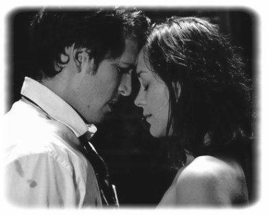De toute façon, à chaque fois qu'on se verra, on sera tentés. C'est nous, on est comme ça. Dès qu'on sera l'un en face de l'autre, on en aura envie. Mais faudra se retenir, même si c'est difficile pour nous deux, il le faudra. C'est ça un amour impossible ma fille. Se désirer, s'aimer, se vouloir tellement fort que ça nous détruit autant que ça nous rend heureux. Un jour on le vivra cet amour, tu verras, ce sera magnifique. J'te le promets. Je suis persuadé qu'il se repassera quelque chose entre toi & moi, c'est sur. On est fait comme ça. On est fait pour ça.