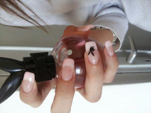 Pour faire les ongles a domiciles !!!!