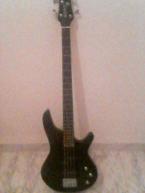 Ma guitar basse <3 <3 <3