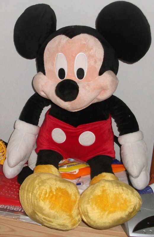 ma grosse peluche mickey le petit monde de smallville16000. Black Bedroom Furniture Sets. Home Design Ideas