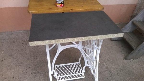 TABLE DE MACHINE A COUDRE ANCIENNE