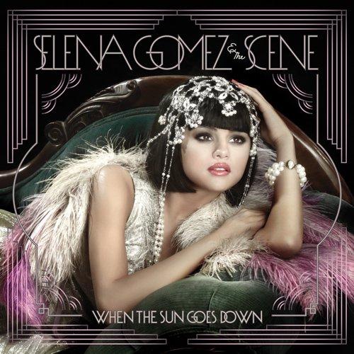selena gomez son tou nouvel album que je me suis bien évidament acheter il est super srx j'adore <3