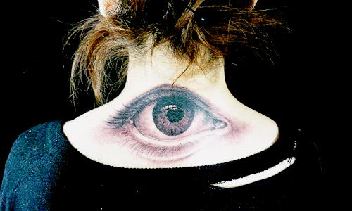 L'amour rend aveugle