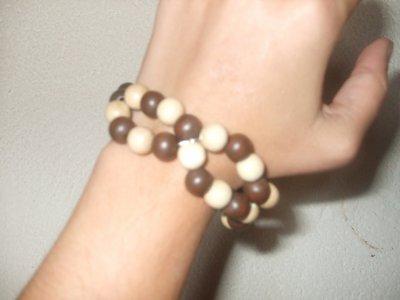 bracelet en bois   (   V E N D U  )