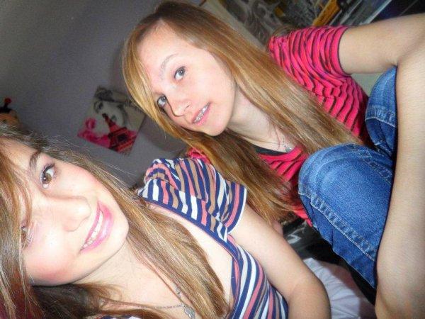 Une copine de l'école , Une amie , une soeur , la meilleurs dans mon coeur <3