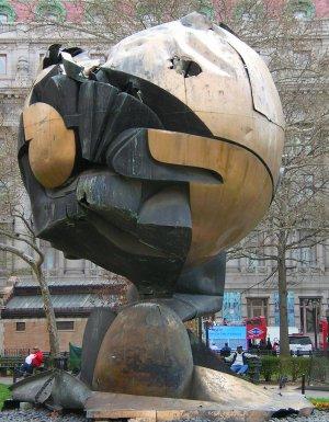 La sphère (Große Kugelkaryatide)
